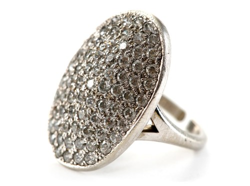 rs_1024x759-161025114422-1024-twilight-movie-prop-auction-engagement-ring-mh-102516