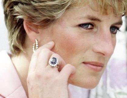 princess diana s engagement ring the engagement ring bible