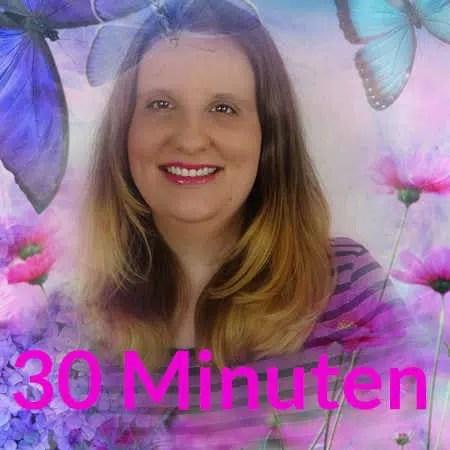 hellsichtige Lebenberatung 30 Minuten Engelmedium Daniela mit schönen Schmetterlingen