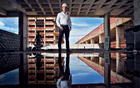 """Arthur Cecílio, da Tecnisa: """"Muitos colegas de faculdade desistiram da engenharia"""" (Foto: Divulgação Istoé Dinheiro)"""