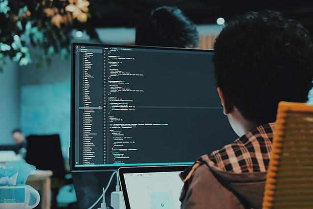 Pythonを学びたいけど、Javaしか知らないプログラマが取るべき次なる行動とは