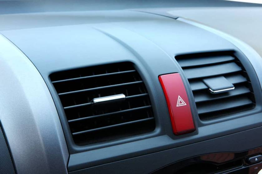 Are You Using Your Car Hazard Lights the Right Way