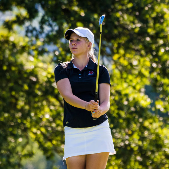 Annabell's stunning finish earns a share of the lead