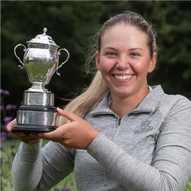 Isabella wins English crown by 11 strokes