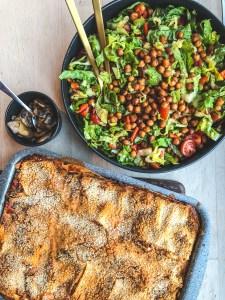 Grøntsagslasagne med grønkål, squash og linser