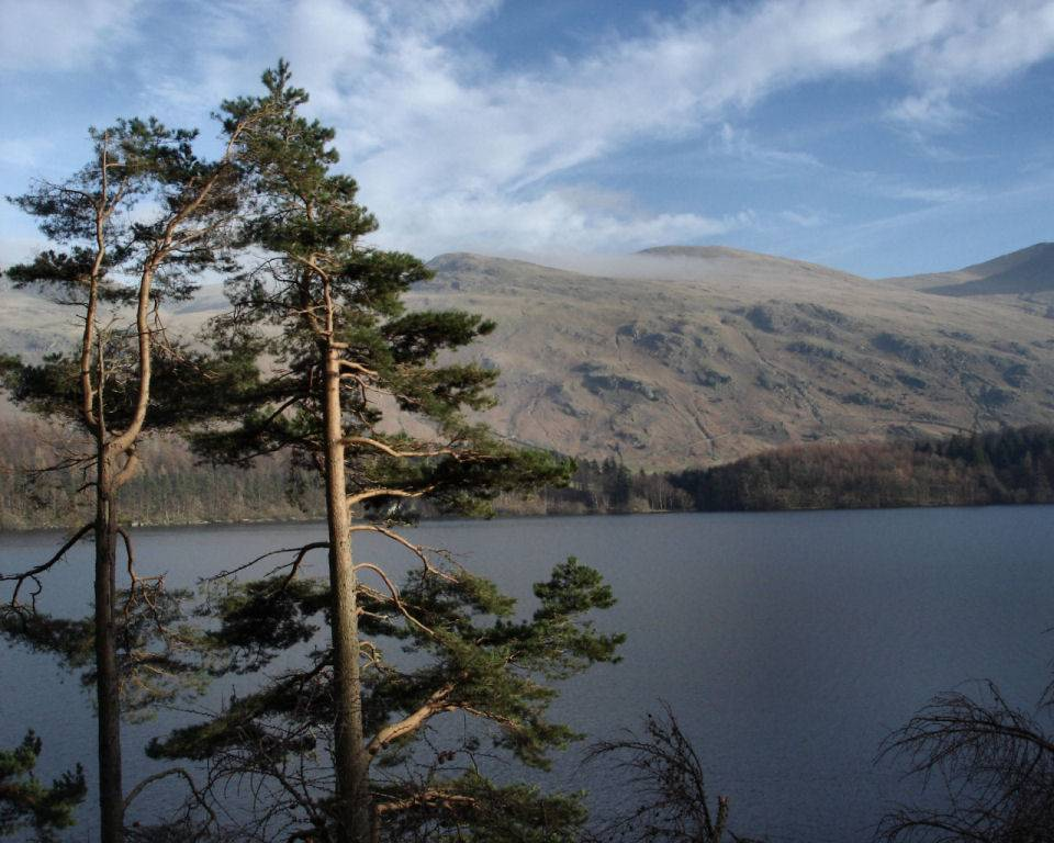 https://i1.wp.com/www.english-lakes.com/images/wallpapers/1024_thirlmere_and_the_helvellyn_massif.jpg
