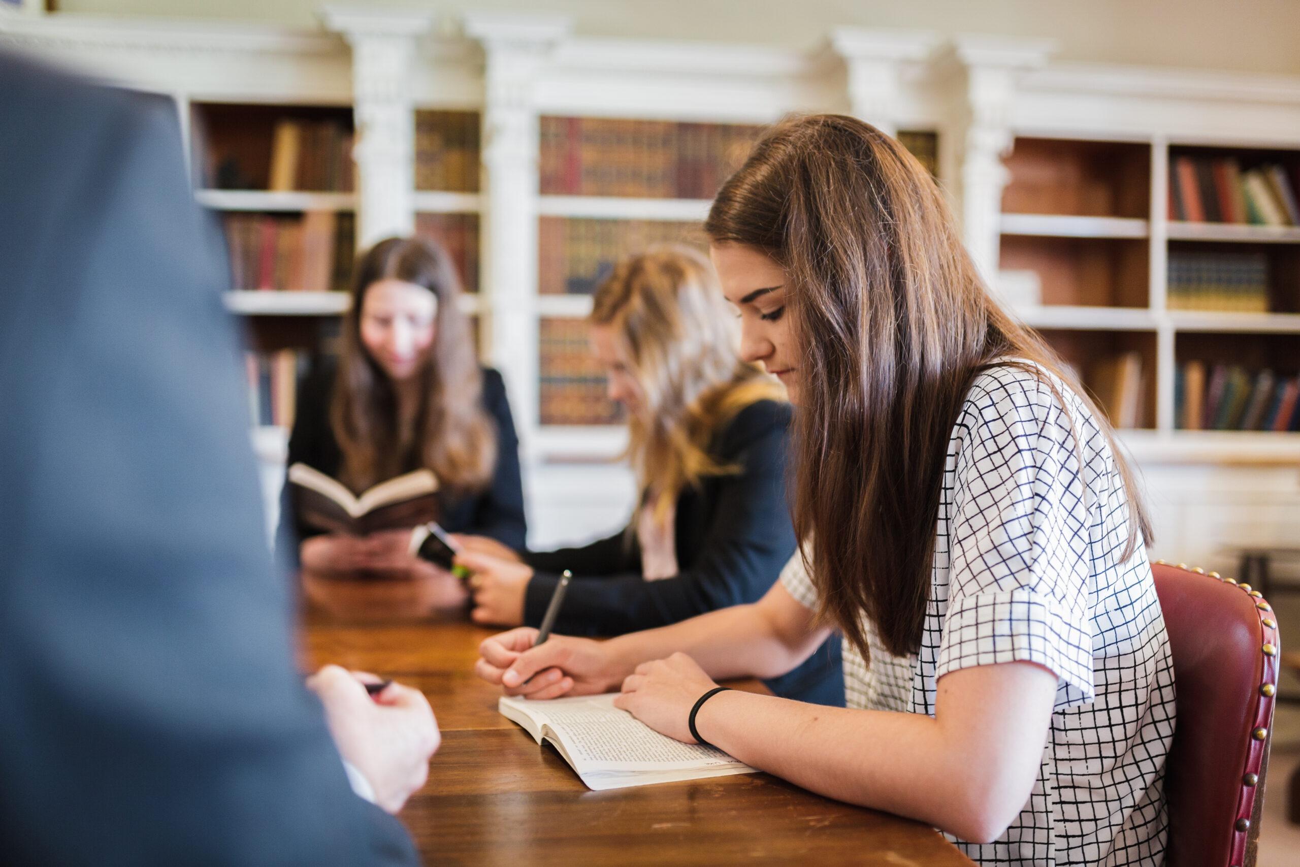 Diferencias entre estudiar A Levels y el Bachillerato Internacional
