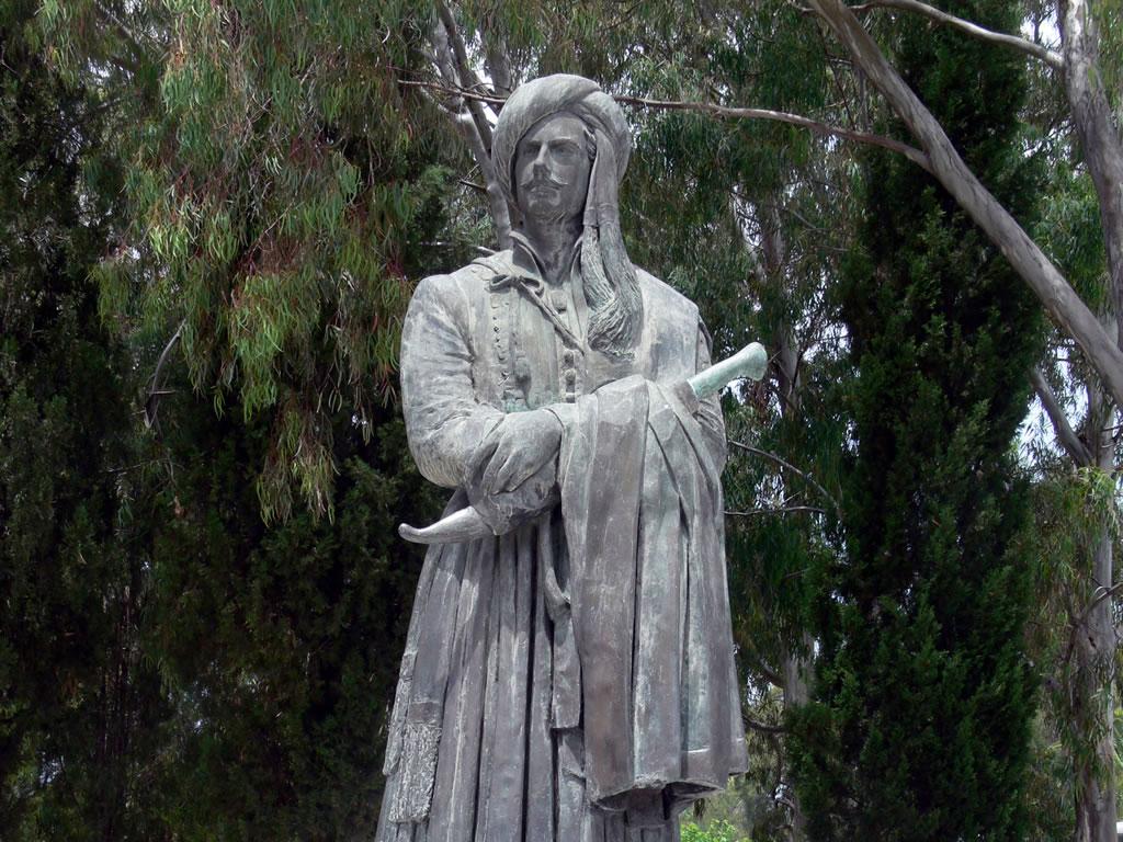 Statue of Byron at Missolonghi, Greece (image courtesy englishlanguageandhistory.com)