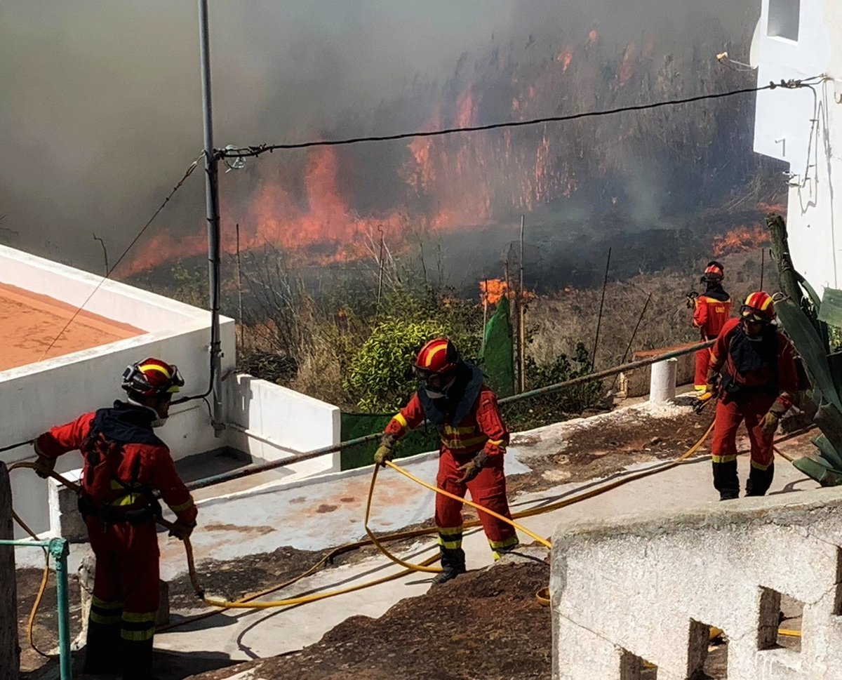 Pedro Sanchez to visit Gran Canaria after to witness firefighting efforts