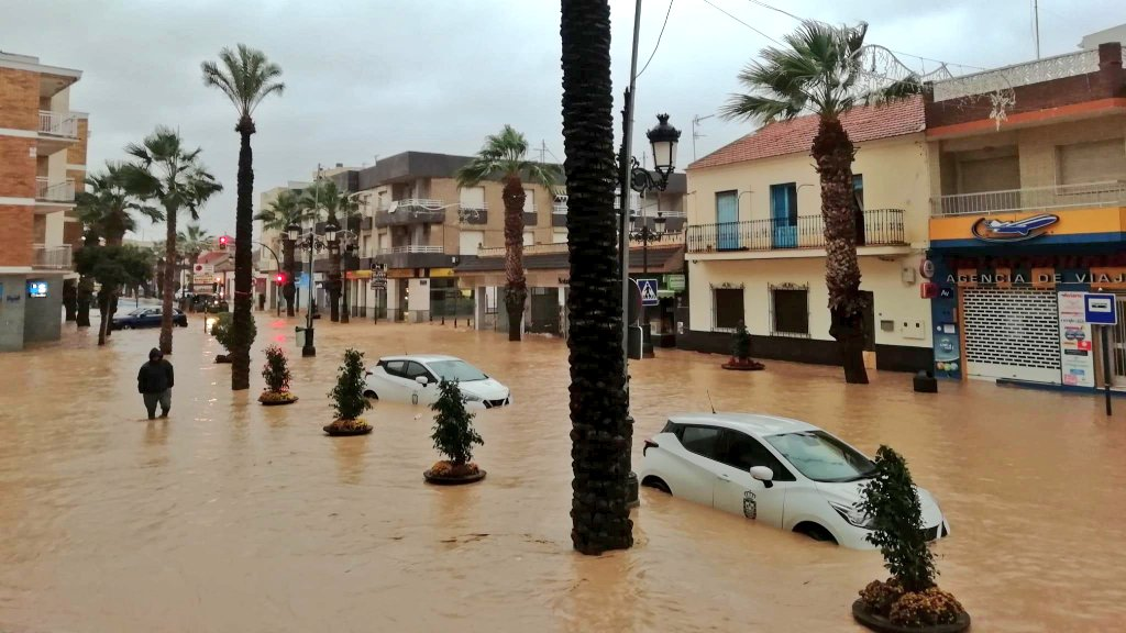 Hundreds evacuated after latest torrential rains hit Murcia