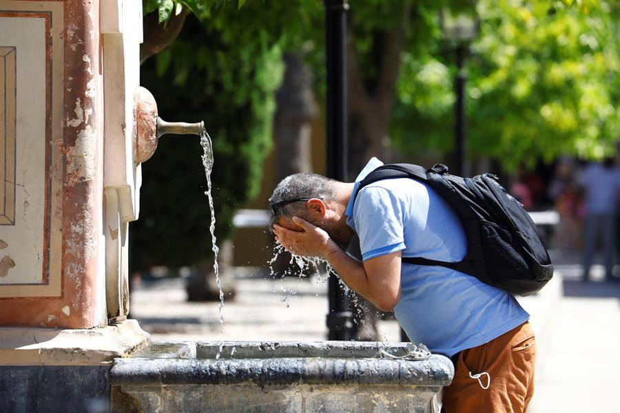 Warnings issued as another heatwave expected in coming days
