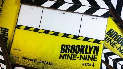 01_195_BrooklynNineNine