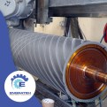 Equipo especializado para el rectificado y recubrimiento de rodillos de poliuretano