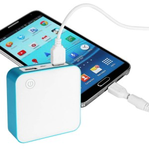 Cargador Deluxe Power Bank 8400mAh
