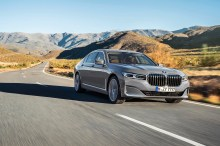 The New BMW 740Le xDrive Pure Excellence in Bernina Grey (3)