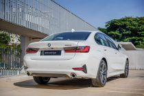 05. The New BMW 320i Sport