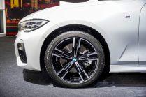 The First-Ever BMW 330Li M Sport (7)