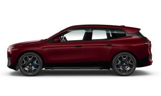 24. BMW iX xDrive40 Sport - BMW Individual Aventurine Red metallic