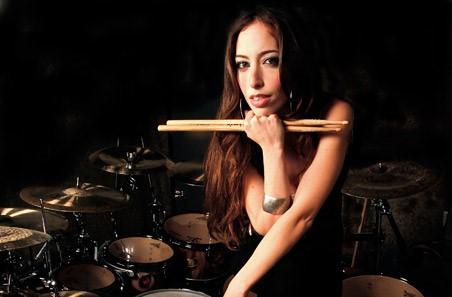 Meytal Cohen: la nueva reina del metal