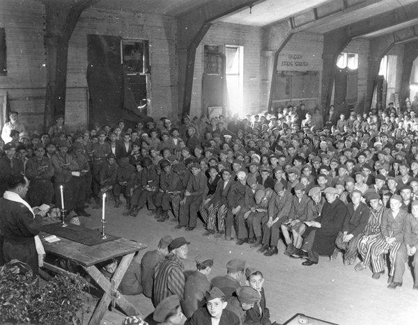 1945 - Shabat en Buchenwald - Enlace Judío México