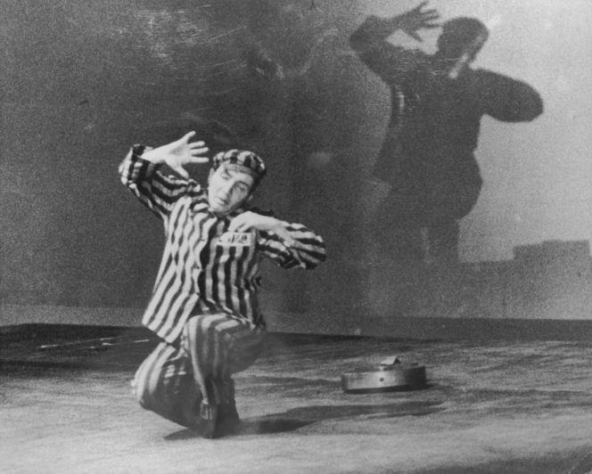 1965 - Un sobreviviente del Holocausto canta una canción que compuso en el Campo de Concentración - Enlace Judío México