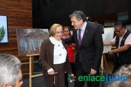 26-ENERO-2017-RELACIONAN EL MURO DE TUMP CON EL MURO DEL GHETTO DE VARSOVIA EN EL DIA INTERNACIONAL DEL HOLOCAUTSO -33