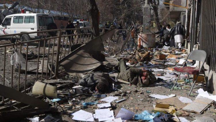 Afganistán: al menos 40 muertos y 140 heridos en una ambulancia con explosivos