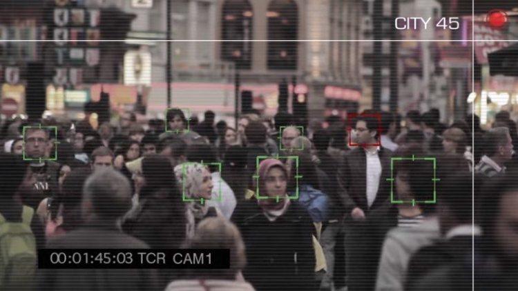 Identificar a un terrorista en una multitud: la empresa que emplea al ex jefe del Mossad