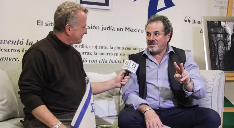 """La vida y algunos trucos de Enrique Jogiel, el """"Mago Kadima"""""""