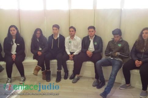 30-ENERO-2019-CONMEMORACION EN MEMORIA DE LAS VICTIMAS DEL HOLOCAUSTO EN EL COLEGIO HEBREO SEFARADI-105