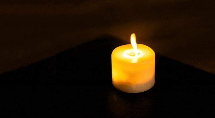 vela para obituario, en memoria del fallecido