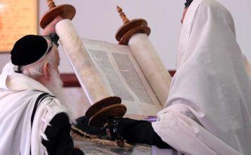 """Escuchando al Jajam Faur z""""l descubrí su judaísmo inteligente. Gracias a él pude armonizar entre mi corazón y mi razón y me enamoré de nuestra Torá"""