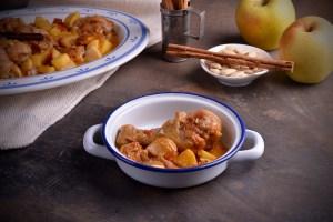 Esta receta de pollo con canela y manzanas es una combinación muy rica, un plato muy sencillo, fácil de preparar y además es muy económica.