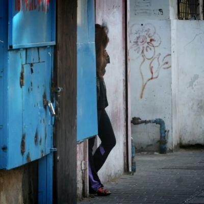 Entra en vigor en Israel ley que multa a quien busque servicios de prostitución