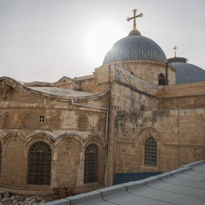 Por rebrote de COVID-19, cierran la iglesia del Santo Sepulcro en Jerusalén