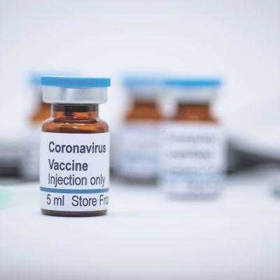 Vacuna para coronavirus de Pfizer y BioNTech estará lista para su aprobación a fin de año: WSJ