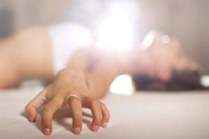 Todas las mujeres tienen la capacidad de tener orgasmos y el derecho a gozarlos y los hombres deben aprender a experimentar el placer de acompañarlas a llegar a ellos