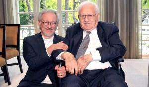 Arnold Spielberg, padre de Steven Spielberg, murió el martes por causas naturales, a los 103 años, rodeador de su familia de acuerdo a un comunicado