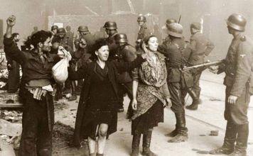 En 1939, tras la invasión a Polonia, se instauró el primer gueto hacia donde se ordenaba el traslado forzoso de judíos y otros enemigos del Reich