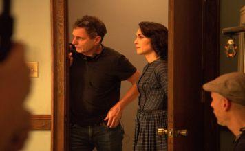 El director israelí transforma al persaonaje judío interpretdo por Noomi Rapace en una mujer romaní en su película sobre el Holocausto