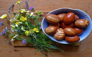 El beid hamine es una especialidad de la cocina sefardí. La misma receta de huevos cocidos a fuego lento de comunidades judías de alrededor del Mediterráneo