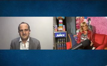 Emilio Penhos en entrevista con la periodista Adela Micha Zaga