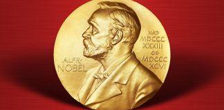 """Fotografía de una medalla del Nobel para la columna """"Ocho días y ciertos metales"""""""