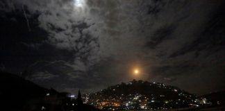 Imagen captada durante un presunto ataque de Israel en Siria