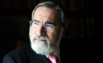 El Rabino lord Jonathan Sacks