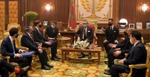 Funcionarios de Israel y EE. UU. junto al rey de Marruecos