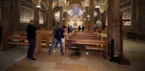 Interior de la Iglesia de Todas las Naciones en Jerusalén tras un intento de incendio provocado