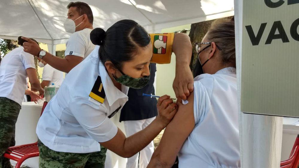 Del lunes 29 y hasta el miércoles 31 de marzo, se llevará a cabo la vacunación contra el COVID-19 a los adultos mayores de Huixquilucan, en dos sedes