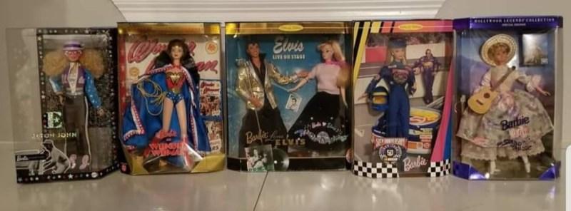 Barbie ha encarnado a personajes como Elton John, Wonder Woman y Elvis.