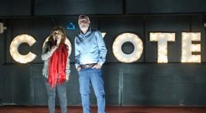 """Esther y Aarón Cohen realizadores de """"Murmullos del Silencio"""", llevaron a cabo el lanzamiento mundial, del documental en el auto cinema Coyote Polanco"""